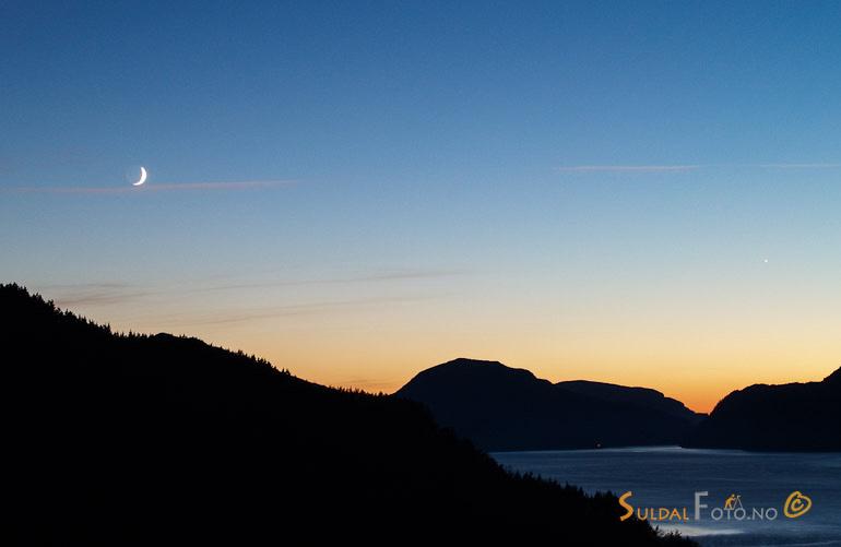 Sandsfjorden ein vinterkveld